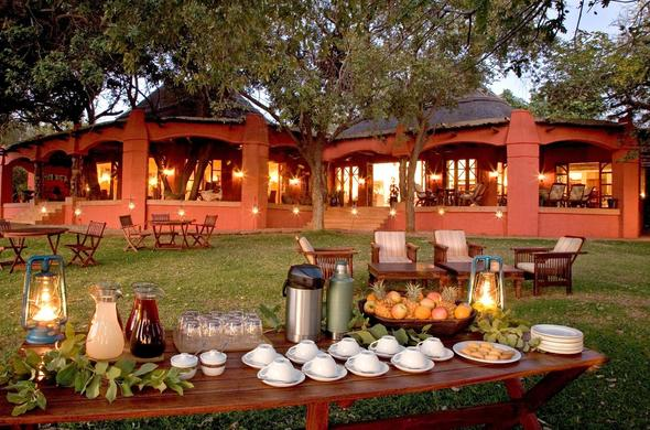 Breakfast is served on the lawns of Chobe Chilwero Lodge.