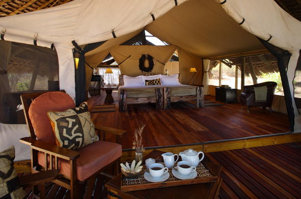 Enjoy an in-room afternoon tea in the Luxury Tent.