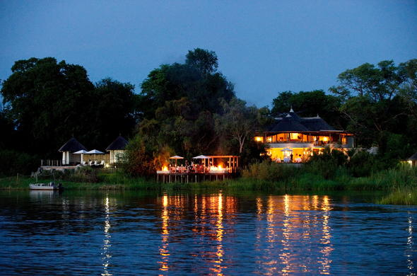 Sanctuary Sussi & Chuma is located on the banks of the Zambezi River.