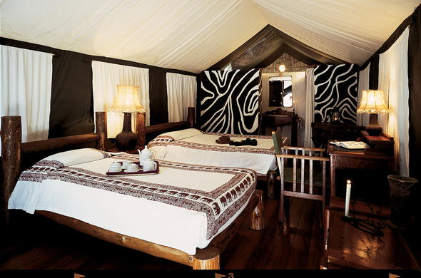 Luxurious tented camp with en-suite bathroom at Vuma Hills Tented Camp.